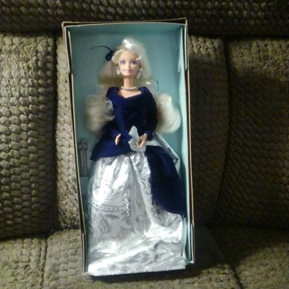 1995 Special Edition Winter Velvet barbie